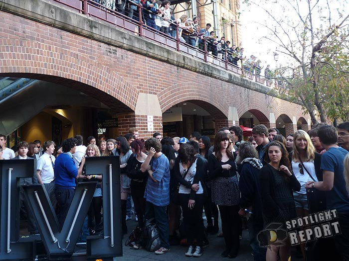 02the_vines_channelV_guerrilla_gig_sydney_2011