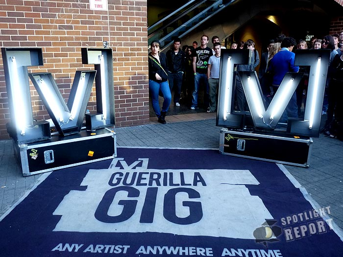 03the_vines_channelV_guerrilla_gig_sydney_2011