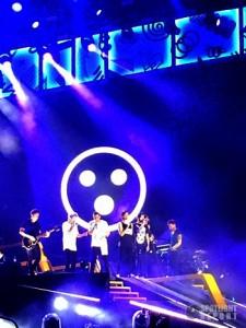 01-1d-sydney-2015