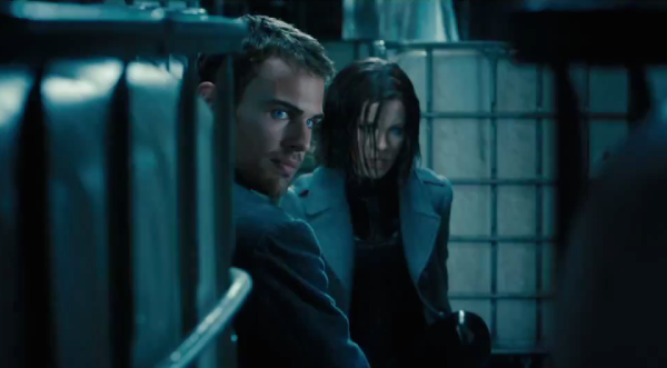 theo-james-david-kate-beckinsale-selene-underworld-awakening